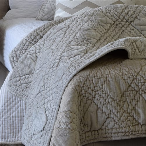 Oasis Natural Comforter | Theo and Joe